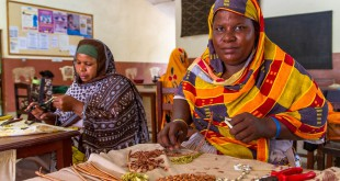 fair trade videos about bombolulu workshops kenya by fair trade connection
